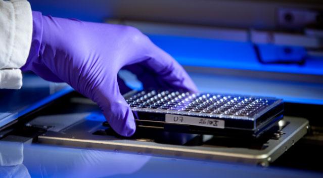 Des-technologies-innovantes-pour-la-découverte-de-médicaments